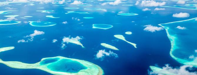 Rundflug über die Malediven