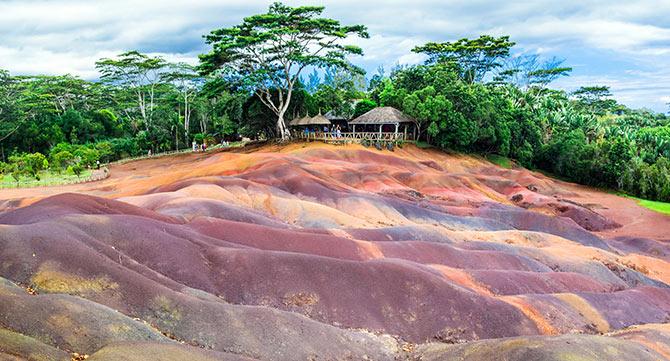 670x361_mauritius_seven_colour_earth